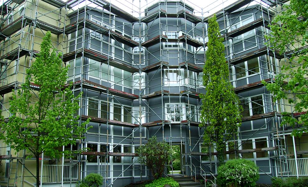 Angepasstes Fassadengerüst für spezielle Fassaden